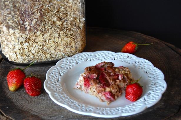 Strawberry-Banana Baked Oatmeal
