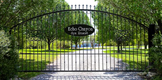 Echo Canyon Resort & Spa